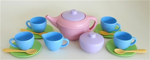 Toy Tea Set : Tin wood and plastic childrens tea sets